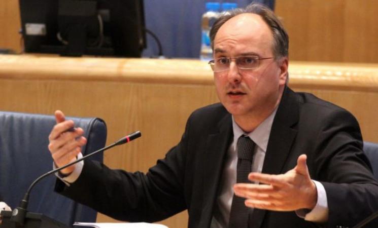 """Ombudsmeni će ispitati slučaj privođenja osobe koja je pokazala """"srednji prst"""" prema Izetbegovićevom automobilu"""